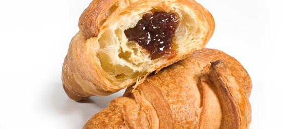 Croissant alla marmellata di ciliege