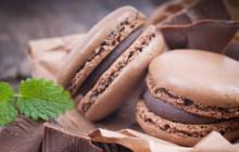 Macarons al cioccolato e menta